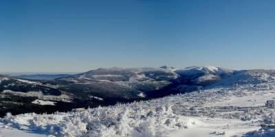 Ze zlatého návrší - pohled na východní část Krkonoš