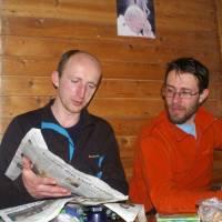 Koudy a Radek v chatě pod Ďurkovou, kde jsme strávili druhou noc