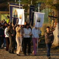 Rovensko - procesí na návsi na bílou sobotu