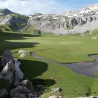 Korab, Skorojezero v Albánii pod Velkým Korabem