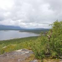 Obrovské jezero Akka, bohužel vesměs v mraku