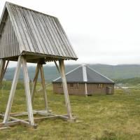 Moderní sámský kostel v Arasu