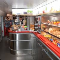 Luxusní vlak Bodo - (Fauske) - Trondheim: ve vlakovém bufetu (za jízdy)