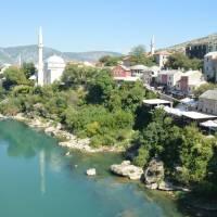 Mostar: pohled ze starého mostu