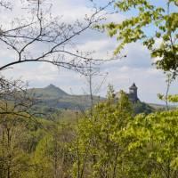 Hrady Šomoška, vzadu hrad Salgo