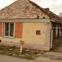 Ves Bulhary u Fiľakovo, domeček nejchudších