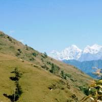 Místo zvané anglicky EverestView (vlevo vzadu Mount Everest)