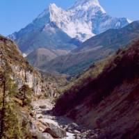 Hora Ama Dablam (6856 m) o Pangboche