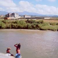 Káthmándú, Pašupatináth, praní v řece Bagmati