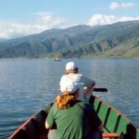 Na jezeře Phewa Tal (Ifča a Ježek)