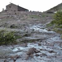 Chata Ciottulu di Mori, všude se po deštích valí voda