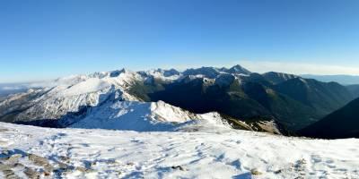 Kondratova kopa na Červených vrších a vzadu Vysoké Tatry