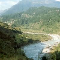 Začátek treku: řeka Marsyangdi a údolí Marsyangdi