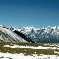 Ze sedla Thorong La, vlevo Dhaulágirský Himaláj