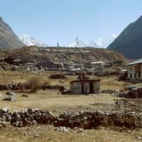Vesnice Langtang u řeky Langtang, údolí Langtang, národní park Langtang