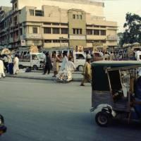 Pákistán: Rávalpindí (souměstí s hlavním městem s Islámábádem), stanoviště minibusů