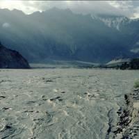 Z Karakorámské dálnice, řeka Hunza v Pasu