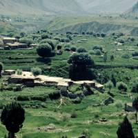 Pod Nanga Parbat, v údolí Rupal, ves Tarašing z ledovce
