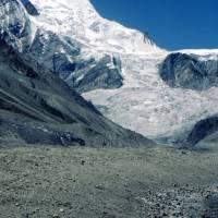Rupal: kopec Laili Peak a ledovec Rupal