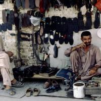 Rávalpindí, pouliční opravna bot