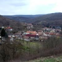 Börzsöny, Bernecebarati velká vesnice v podhůří