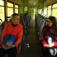 V úzkokolejce do Tamswegu, která nám také pomohla se přiblížit do hor. Foto B.S.