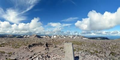 Cairngorm, na vrcholu na Ben Macdui, druhé nejvyšší hory Velké Británie (1309 m)