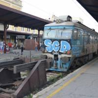 Bělehrad, hlavní nádraží; místo, kde se zastavil čas: vlaky, vagóny, peróny, haly a okolí