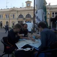 Bělehrad, kavárna na hlavním nádraží; plánování cesty