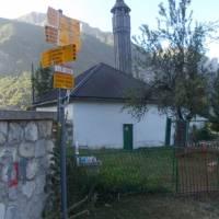 Černá Hora, vesnička Vusanje, ranní začátek výstupu na horu Zla Kolata