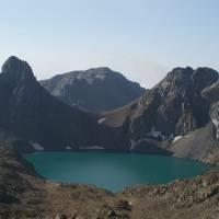 Kaçkar, výstup na Kaçkar Dağ, zelené jezero Deniz Gölü