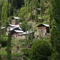 Kaçkar, vesnice Sirakonaklar na jižním úbočí hor Kačkaru