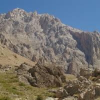 Aladagar, údolí Narpuz Vadisi, pohled na horu Demirkazik
