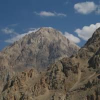 Aladagar, pohled na vrchol Demirkazi od Kara Yalak