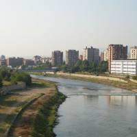Makedonské hlavní město Skopje, řeka Vardar