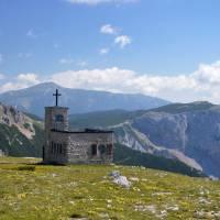 Horská kaple Raxkircherl ve výši 1800 metrů