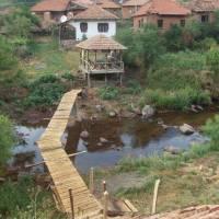 Vesnička Topli Do, nyní skoro vylidněná, bydlí tu jen staří lidé