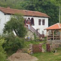 Ves Senokos, opravený domek