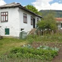 Senokos, úpravný dům se zahrádkou