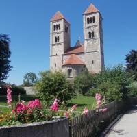 Románský kostel ve vesnici Altenstadt