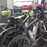 Italský vlak s plným oddílem na kola