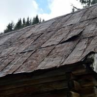 Vyšná Boca, střecha ze sudů
