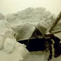 Stan i se sněhovou ohrádkou proti větru