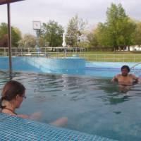 Termál Vegardo (část města Sárospatak), mimo sezóny velmi levné vstupné, ale zase je napuštěn jen jeden bazén na plavání a dva na posedávání.